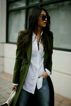 trench coat green, coat fall, chic, casual style fall and winter outfit Mode Outfits, Fall Outfits, Casual Outfits, Fashion Outfits, Office Outfits, Fashion Clothes, Girl Clothing, Fashion Ideas, Outfit Winter