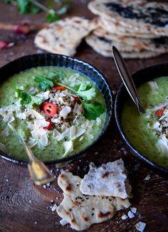 Broccolisuppe med koriander & kokosmælk