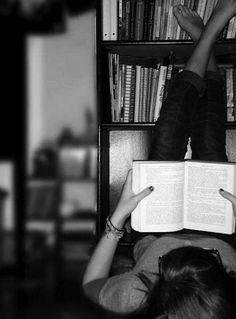La lectura hace al hombre completo. La conversación lo hace ágil. La escritura lo hace preciso. . (Francis Bacon)