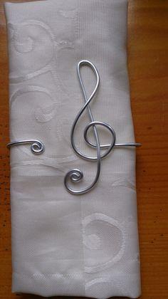rond de serviette N°9 fil aluminium
