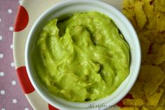Il guacamole è una salsa tipica del Messico ed è semplice e veloce da preparare. Leggi la ricetta per il bimby e gli ingredienti che ti servono.