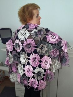 Crochet Shawl Diagram, Crochet Poncho, Crochet Scarves, Irish Crochet, Crochet Doilies, Crochet Clothes, Crochet Stitches, Free Crochet, Knitting Patterns