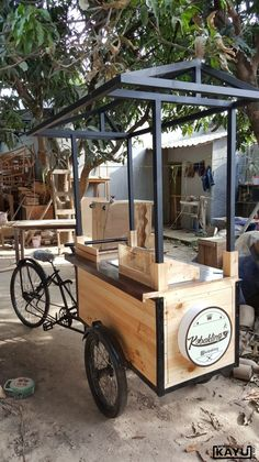 Remolque IdeasFood Truck Remolque Ideas Source Outdoor surprise /bubble tea kiosk/boba juice tea cart coconut food booth for sale on ✔ Mais um concluído. Food Cart Design, Food Truck Design, Coffee Carts, Coffee Truck, Kiosk Design, Cafe Design, Food Trucks, Mobile Food Cart, Bike Food