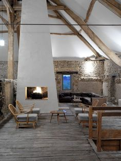 Holiday home of the week: a revived farmhouse in Lot-et-Garonne, France where contemporary interiors are paired with rustic surroundings. French Country House, French Farmhouse, Modern Rustic, Mid-century Modern, Rent Studio, House Studio, Open Fireplace, Boutique Homes, Retro Furniture