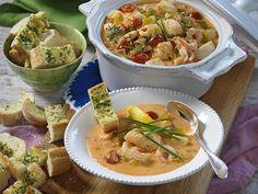 Festlig fiskgryta med räkor recept | Allas Recept Wellington Food, Mojito Recipe, Parmesan Sauce, Bratwurst, Kung Pao Chicken, Beef Recipes, Potato Salad, Tapas, Kitchens