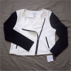 """B&W quilted biker zipper cardigan Liz Claiborne B&W quilted biker zipper cardigan with false pockets. Sleeves are not quilted. Size Petite Large. Cropped length (18""""). NWT Liz Claiborne Sweaters Cardigans"""