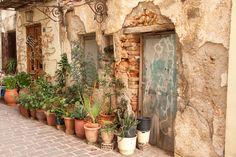 Chania oud straatje met bloempotten