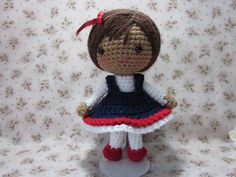 Cute Amigurumi Girl - FREE Crochet Pattern and Tutorial