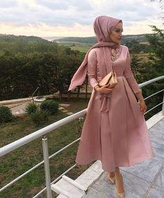 Site is undergoing maintenance Hijab Mode, Mode Abaya, Hijab Evening Dress, Hijab Dress Party, Event Dresses, Modest Dresses, Abaya Fashion, Modest Fashion, Eid Outfits