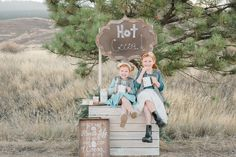 Hot Cocoa Styled Family Session | Sabrina Louise Photography