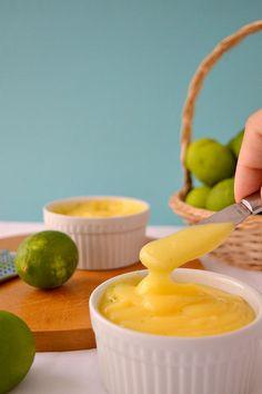 QUICK KEY LIME CURD   (Scroll down for the English recipe)       Lo reconozco.  Me encantan los sabores ácidos , tanto o más que los sup...