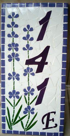 Número para residência em mosaico sobre cerâmica ou madeira. Efetuado na cor que desejar. Consulte preços para outros tamanhos. FRETE A CALCULAR