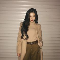 Joy of Red Velvet Seulgi, Kpop Fashion, Korean Fashion, Asian Music Awards, Cool Girl, My Girl, Mode Kpop, Red Velvet Joy, Park Sooyoung
