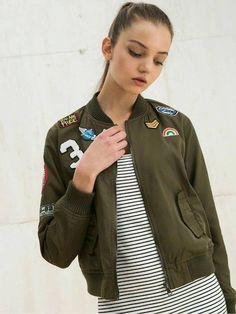Jaqueta Verde Exército com Patches - Compre Online | DMS Boutique