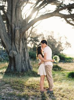 I'm so in love with this adorable couple and their drop dead gorgeous e-session. Captured by the insanely talented Stewart Leishman Photography, these are some of the prettiest we've seen and trust me when I say you don't want to