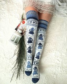 com - women trends Crochet Socks, Knitted Slippers, Wool Socks, Crochet Clothes, Knitting Socks, Knit Crochet, Bed Socks, Knit Stockings, Knitting Accessories