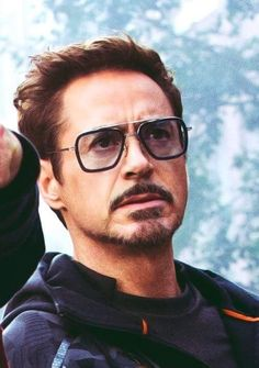 hello, elegants in this video we will look at the top 5 most elegant actors in the avengers cast. This video brings you the best stylish actors in the avenge. Robert Downey Jr, Robert Jr, Beau Gif, Tony Stank, Iron Man Tony Stark, Downey Junior, Hollywood Actor, Belle Photo, My Idol