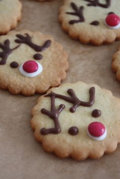Das kleine weisse Haus: Rudolph-Lieferung (Cake Diy) The little white house: Rudolph delivery (Cake Diy) Best Cookie Recipes, Sweet Recipes, Holiday Recipes, Christmas Recipes, Christmas Snacks, Christmas Cooking, Cupcake Cookies, Cupcakes, Holiday Cookies