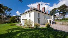 Devon Holiday Cottages - The exterior of Higher Brownstone Farm, Coleton Fishacre, Devon  © Mike Henton