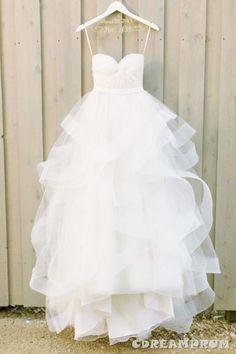 Modern Sweetheart Ruffles Wedding Dress 54eefbd63a9e0