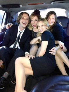 Matthew Gray Gubler alone in a Limo with A.J. Cook, Kristen Vangsness and New Comer  Jeanne Tripplehorn