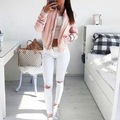outfit con rosa