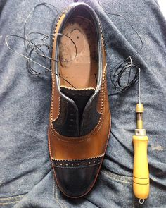 #handsewing #handsonwork #castezermili #shoemaker #bespokeshoes #bespoke #shoes #shoeporn #shoesaddict #footwear #MTM #queretaro #guadalajara #mexico #DF #GDL #monterrey #MTY #menstyle #menswear #mensshoes #mensstyle #mensfashion #craftmanship #crafts  #mywork #luxury #highquality #handcrafted #highend