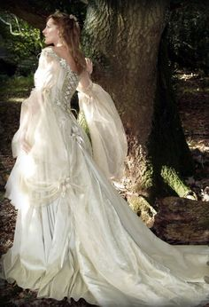Specialists In Made To Measure Medieval Fantasy Style Wedding Dresses Our Unique Range Covers Fairy Celtic And Ethereal