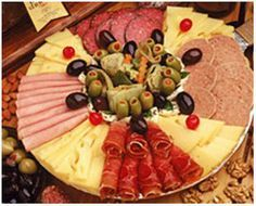 tabla de queso Starter Plates, Cheese Table, Antipasto Platter, Tailgating Recipes, Christmas Party Food, Party Trays, Food Decoration, Canapes, International Recipes
