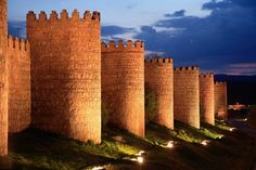 Proshots - Walls of Avila at Dusk, Spain - Professional Photos Ciutadella Menorca, Ronda Malaga, Spanish Heritage, Castle Pictures, Castle House, Medieval Castle, Kirchen, World Heritage Sites, Beautiful Landscapes