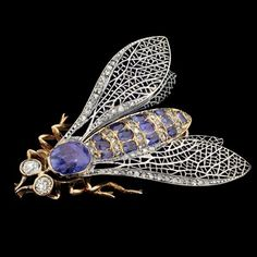 Vintage fly brooch, diamond sapphire and gold