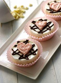 { Skinny Mini White Chocolate Cheesecakes }