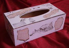 Boîte à mouchoirs blanche et marron déco tampons et papiers brulés  : Boîtes, coffrets par passiondecodecoco sur ALittleMarket