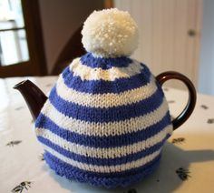 Rainbow Teacosy | 2 cup tea cosy | free knitting pattern ...