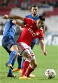:.: Talisca deu primeiro triunfo na Champions - Jornal Record :.: