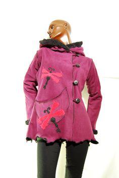 Pink winter coat, warm dragonfly black elven pixie hood de PinkyPurpleTree en Etsy https://www.etsy.com/es/listing/214682717/pink-winter-coat-warm-dragonfly-black