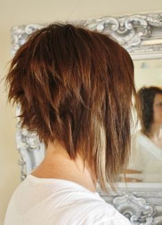 Choppy-Long-a-Line-Bob-Haircut-Style Short Stacked Bob Hairstyles Choppy-Long-a-Line-Bob-Frisur-Stil Kurze gestapelte Bob-Frisuren Layered Haircuts For Women, Stacked Bob Hairstyles, Popular Haircuts, Medium Hairstyles, Hairstyles 2016, Latest Hairstyles, Braided Hairstyles, Aline Haircuts, Edgy Bob Haircuts