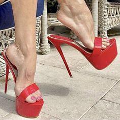 Sexy Legs And Heels, Hot High Heels, High Heel Pumps, Stiletto Heels, Stilettos, Beautiful High Heels, Gorgeous Feet, Leggings And Heels, Extreme High Heels