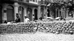 Spain - 1937. - GC - Barcelona, Mayo de 1937. Barricadas en las Ramblas