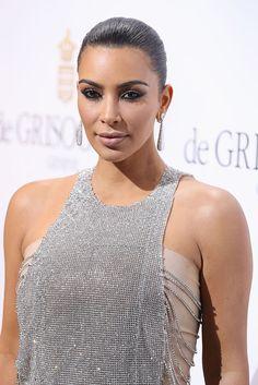 Kim Kardashian muda o visual e aparece com o cabelo mais curto na internet