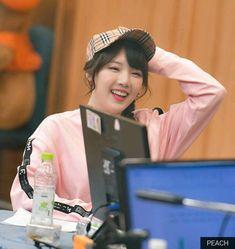 Extended Play, South Korean Girls, Korean Girl Groups, G Friend, Little Pigs, Korean Singer, Girlfriends, Leo, Dancer