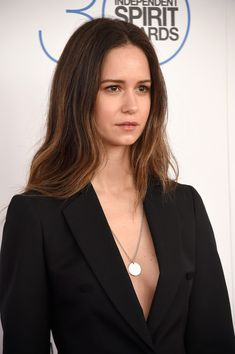 Katherine Waterston reveals unlikely inspiration for her 'Alien' hairstyle