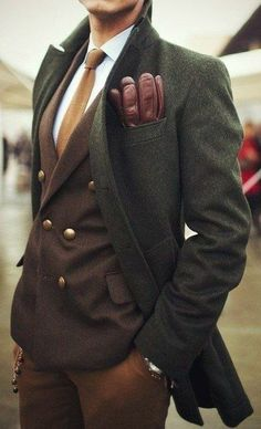 Green wool coat, brown double-breasted jacket, brown leather gloves