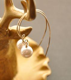 Modern Pearl Hoop Earrings, Gold Silver Pearl Drop Earrings, Gold Pearl Jewelry, Gold Bridal Earrings, Futuristic Wire Wrap Earrings