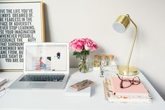Land a job as a Professional Social Media Manager How To Start A Blog, How To Make Money, How To Become, Home Office, Office Workspace, Small Office, Virtual Assistant Jobs, Life Organization, Paper Organization