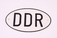 """DDR Museum - Museum: Objektdatenbank - Länderschild """"DDR"""" Copyright: DDR Museum, Berlin. Eine kommerzielle Nutzung des Bildes ist nicht erlaubt, but feel free to repin it!"""