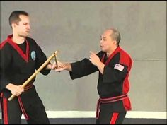 This is from Bruce Chiu - Advanced Stick Sparring Right on Right Instructional DVD Bruce Chiu Modern Arnis Right On Right Low Feeds, Locks and Disarms. Kali Martial Art, Wing Chun Martial Arts, Bruce Lee Martial Arts, Martial Artists, Kung Fu Techniques, Goju Ryu Karate, Kali Escrima, Stepper Workout, Stick Fight