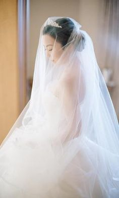 Vera Wang: buy this dress for a fraction of the salon price on PreOwnedWeddingDresses.com