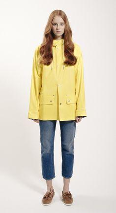 Sandhamn Jacket 309 by Grundéns Originals Rainy Day Fashion, Yellow Coat, Rain Wear, Girls In Love, Spring Summer 2015, Girls Wear, Rain Jacket, Windbreaker, Raincoat