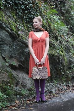 Today (Nov 1st 2013) I'm linking up with lovely Sacramento from Mis Papelicos and her #Share-In-Style series, whose current topic is... #orange!